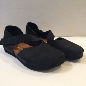 ComfortfuBe 5.5 6 Mary Jane Suede Leather Shoes